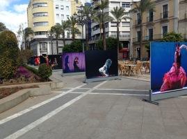 Tolle Fotoausstellung auf einer Plaza