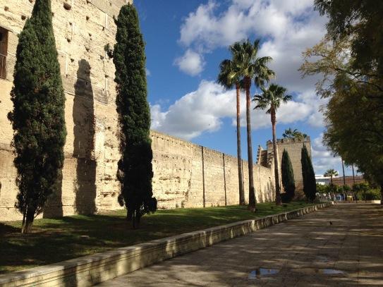 Die mächtige Festung Alcázar, mit der sich Jerez gegen die Eroberung durch die Almohaden widersetzen wollten