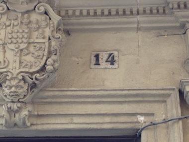 Hausnummer 14…