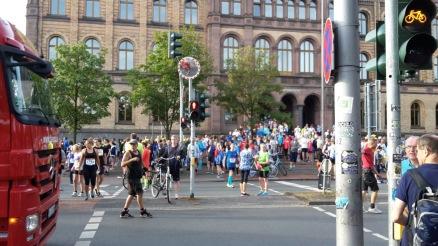 Läufergewusel rund um den Startbereich