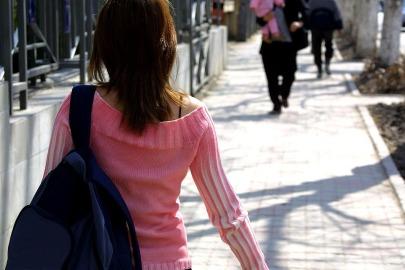 walking-386718_960_720
