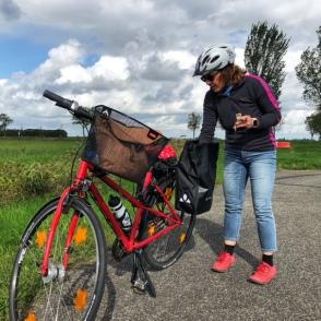 Die gesamte linke Satteltasche meines Fahrrads war mit Hypohelfern gefüllt