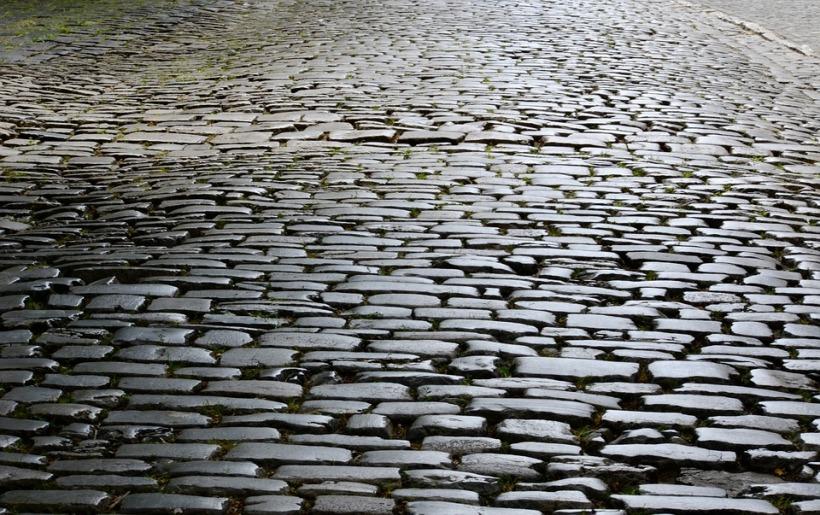 cobblestones-3451557_960_720.jpg